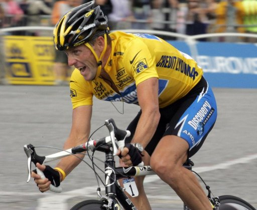 US Lance Armstrong rides during the 21st stage of the 92nd Tour de France on July 24, 2005