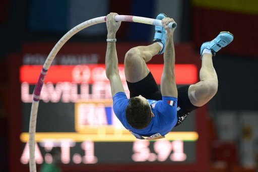 France's Renaud Lavillenie jumps to win the Pole Vault Men's Final in Gothenburg, Sweden, on March 3, 2013