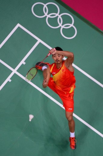 Lin Dan returns to Lee Chong Wei during the final at the Olympic Games in London on August 5, 2012