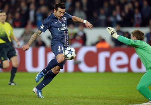 Paris Saint-Germain's Ezequiel Lavezzi shoots and scores on March 6, 2013 at the Parc-des-Princes stadium