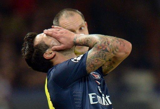 Paris Saint-Germain's Ezequiel Lavezzi reacts on March 6, 2013 at the Parc-des-Princes stadium in Paris