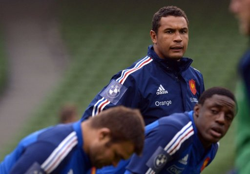 France's captain Thierry Dusautoir (C) trains at the Aviva stadium in Dublin on March 8, 2013
