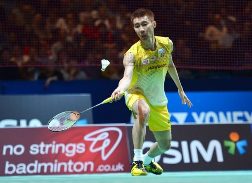 Malaysia's Lee Chong Wei returns to Vietnam's Tien Minh Nguyen in Birmingham, central England, on March 8, 2013