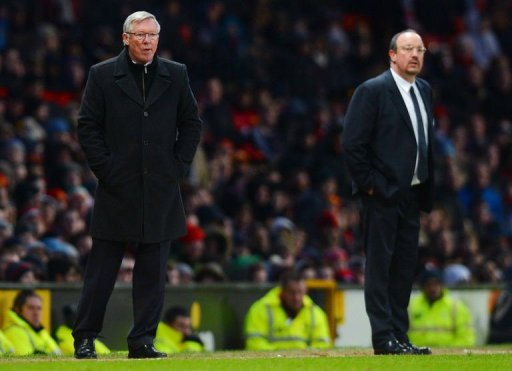 Manchester United manager Alex Ferguson (L) and Chelsea's manager Rafael Benitez at Old Trafford on March 10, 201