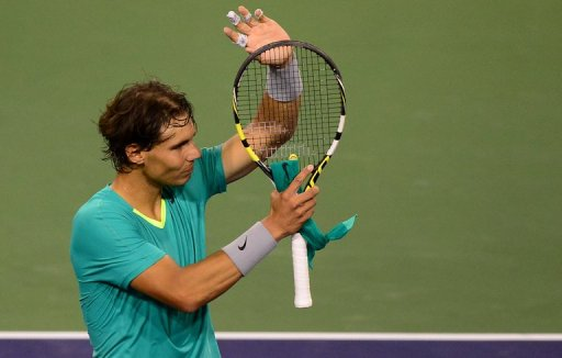 Rafael Nadal  acknowledges the crowd after defeating Roger Federer on March 14, 2013 in the BNP Paribas Open