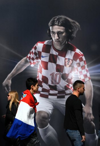 Croatia fans in Zagreb on March 22, 2013 ahead of their team's World Cup qualifier against Serbia