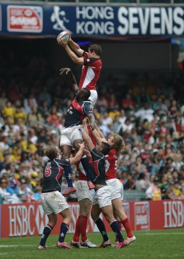 Hong Kong (blue) and Canada (red) compete in a line-out during the Hong Kong Rugby Sevens, on March 23, 2013