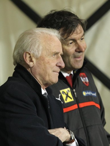 Giovanni Trapattoni (L) and his Austrian counterpart Marcel Koller before the clash in Dublin on March 26, 2013