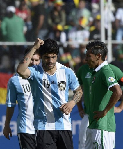 Ever Banega celebrates his goal for Argentina against Bolivia on March 26, 2013