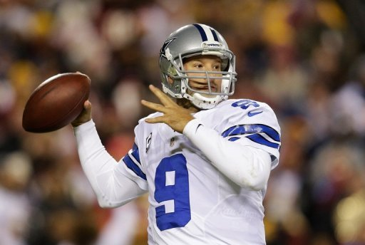 Tony Romo of the Dallas Cowboys drops back to pass in Landover, Maryland, on December 30, 2012