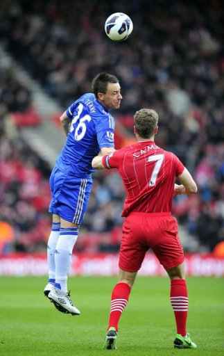 Chelsea's English defender John Terry (L) vies with Southampton's English striker Rickie Lambert (R) on March 30, 2013
