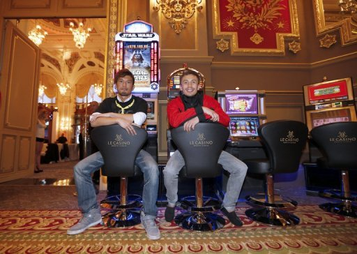 Nobuhiro Ishida (L) and WBA middleweight world title holder Gennady Golovkin (R) on March 26, 2013, in Monaco