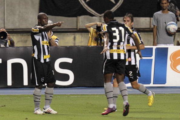 Clarence Seedorf of Botafogo celebrates a goal