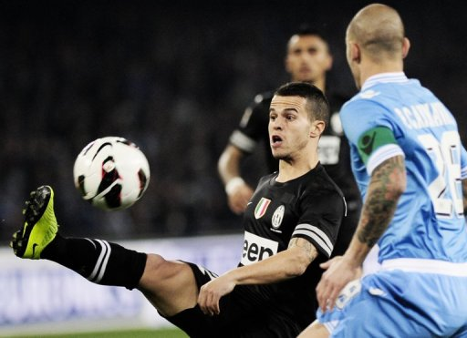 Juventus' forward Sebastian Giovinco controls the ball during the Serie A match against SSC Napoli on March 1, 2013