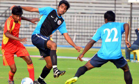 Sandesh Jhingan (No.5 in Blue)