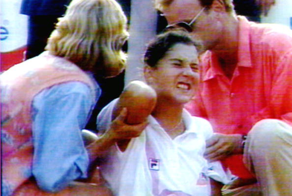 World number one tennis player Monica Seles (C) gr