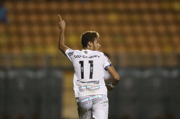 Neymar of Santos in action during a match between Santos FC and Sao Caetano as part of the Sao Paulo State Championship 2013 at Paulo Machado de Carvalho Stadium on April 4, 2013 in Sao Paulo, Brazil. (Photo by Ivan Storti/Lancepress/LatinContent/Getty Images)