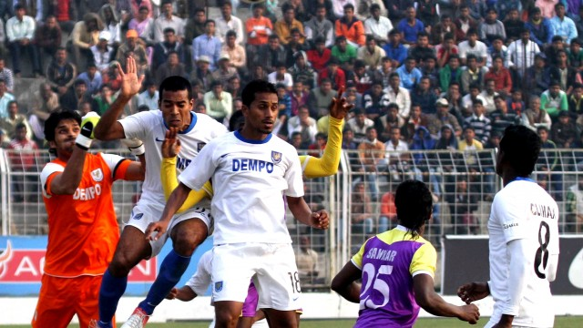 Everyone at Dempo is comfortable on possession (Photo Credit: AIFF Media)