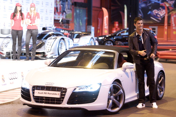 Infographic Top 10 Footballers Cars