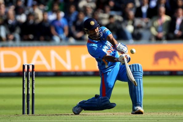 most runs by a wicketkeeper batsman