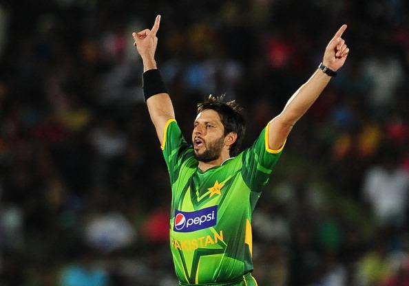 Pakistan cricketer Shahid Afridi celebra