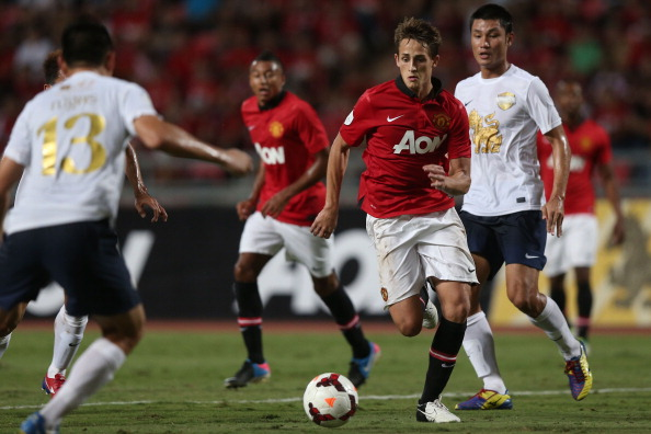 Adnan Januzaz playing for Man United.