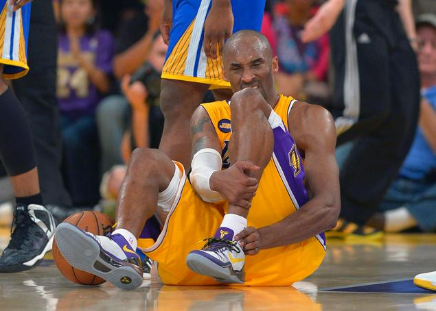Los Angeles Lakers' Kobe Bryant tore his Achilles against the Golden State Warriors (Getty Images)