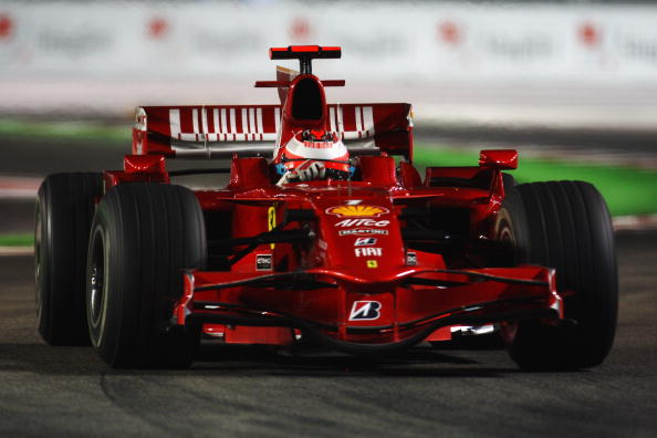 Kimi Raikkonen holds the record for fastest lap at Singapore GP set in 2008 and it holds till date
