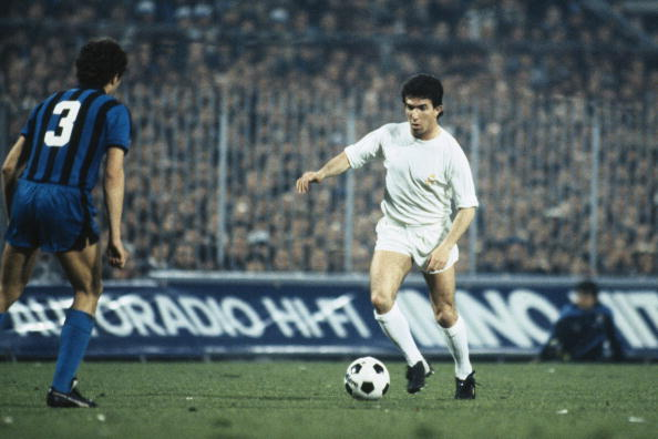 Juanito on the ball for Real Madrid in the European Cup against Inter Milan, circa 1980