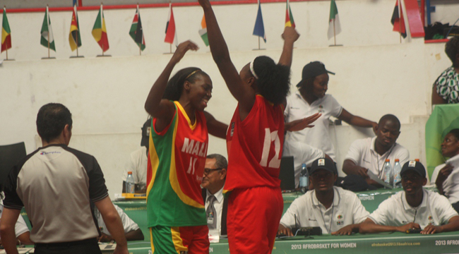 Mali Players celebrate their victory over Kenya