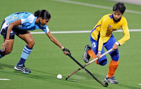 Ritu Rani of India (L) and Nadia Abdul R