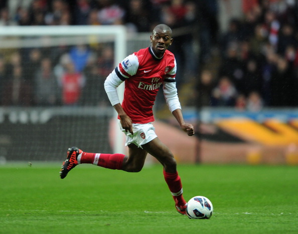 arsenal midfielder abou diaby undergoes knee surgery out till march