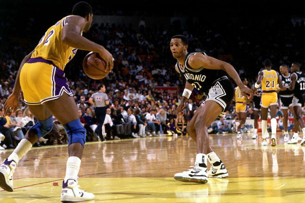 Alvin Robertson defends Magic Johnson