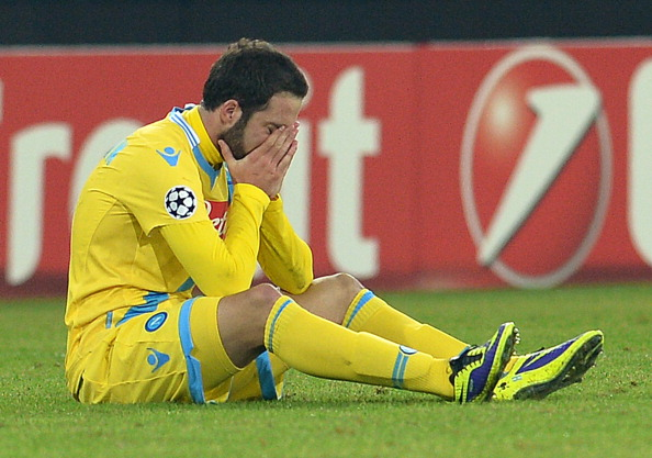 Gonzalo Higuain in tears after Napoli narrowing missed out
