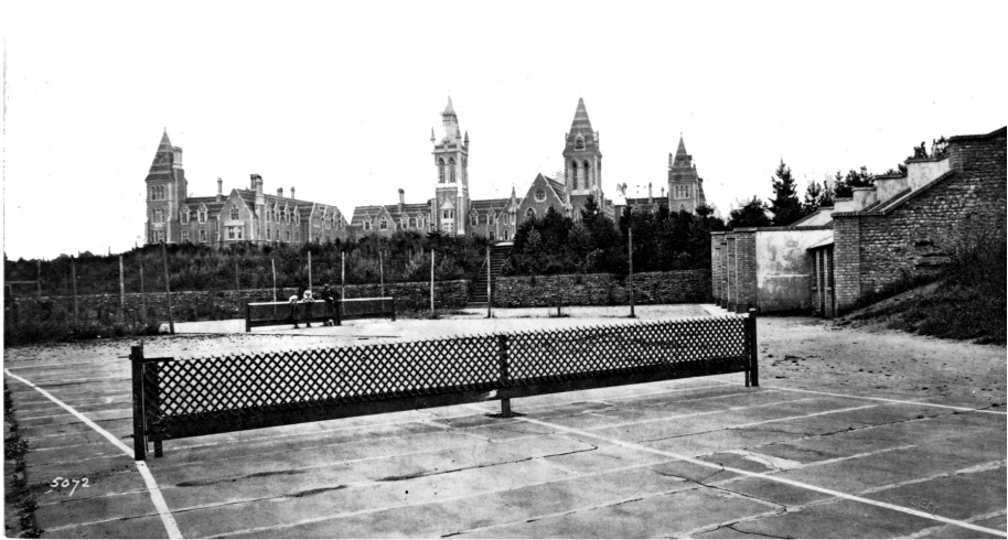 10 tennis facts that will astonish you - Slide 2 of 10:Tennis was originally played on an hour-glass shaped court