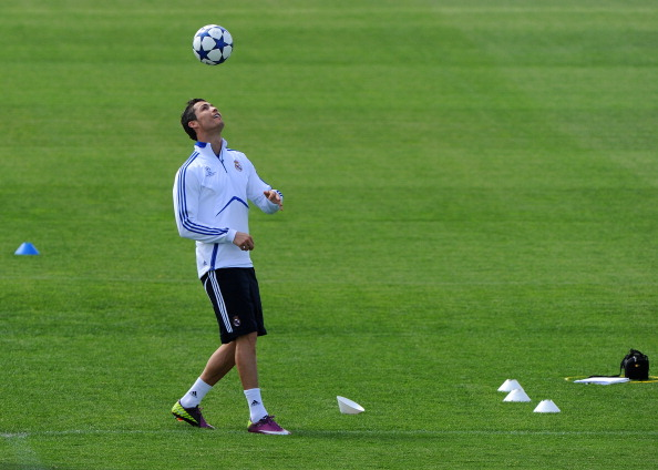 How to juggle a soccer ball #1