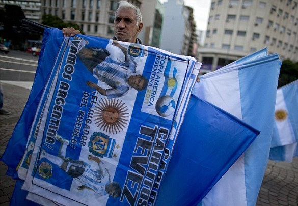 Argentina fans take to the streets to protest Carlos Tevez's possible exclusion from the Argentina squad