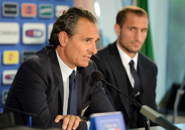 Head coach Italy Cesare Prandelli (L) and Giorgio Chiellini