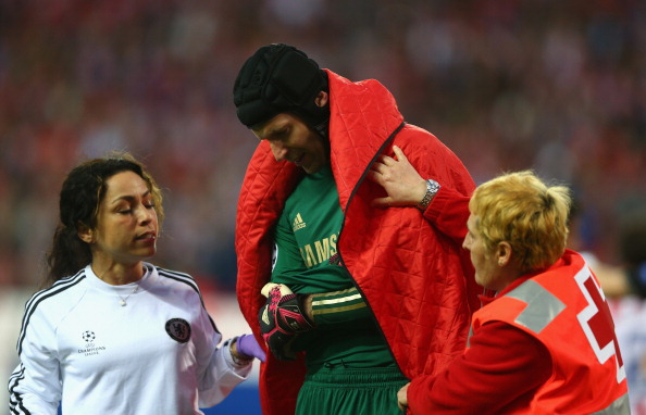 Petr Cech out for 2 months with shoulder injury