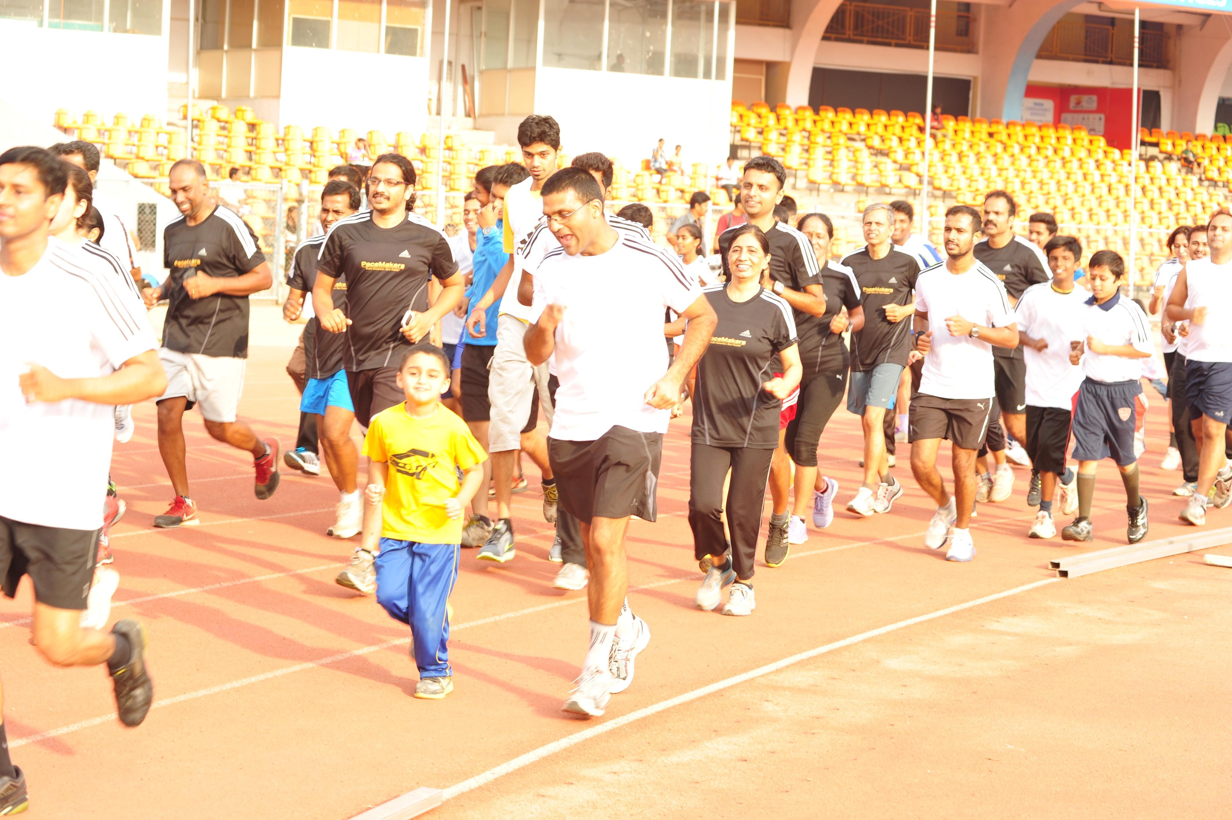 Runners at the stadium