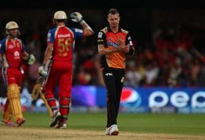 Dale Steyn applauds AB de Villiers