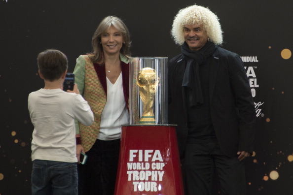 Colombian First Lady Maria Clemencia Rodriguez (L) and Former Colombian player Carlos Valderrama