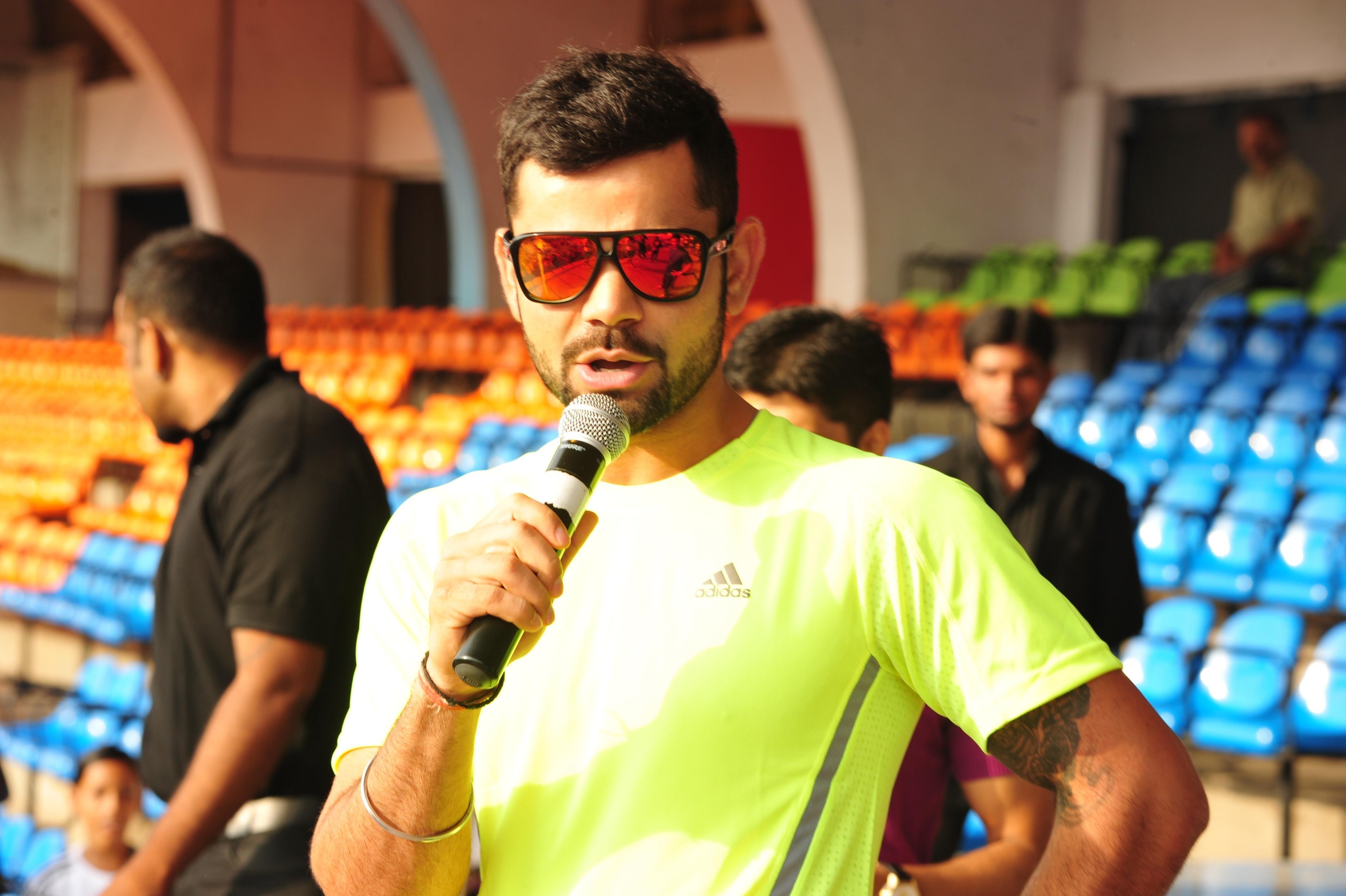 Virat Kohli adidas athlete addressing the runners before adidas Boost your run marathon
