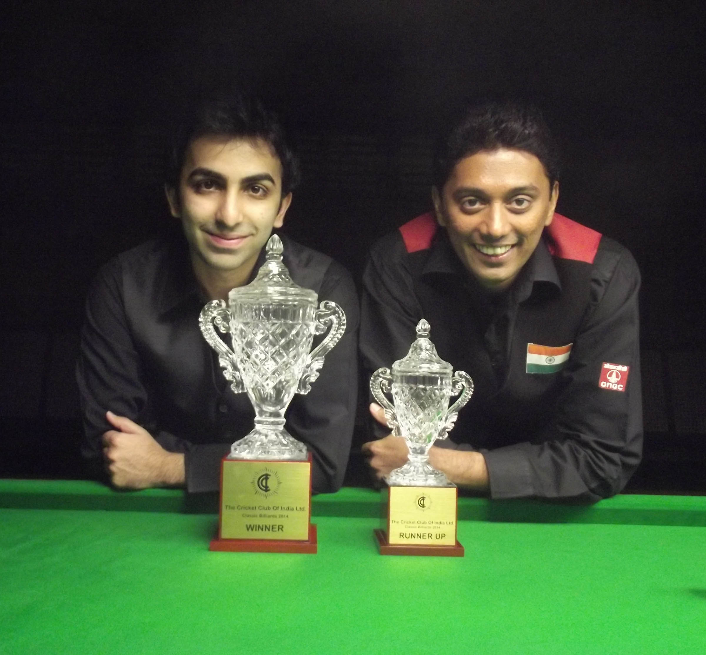 Winner Pankaj Advani (left) and runner-up Dhruv Sitwala