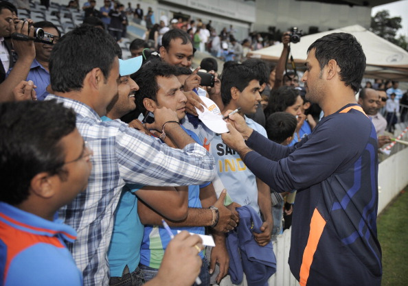MS Dhoni fan gets a job from his idol after getting ...
