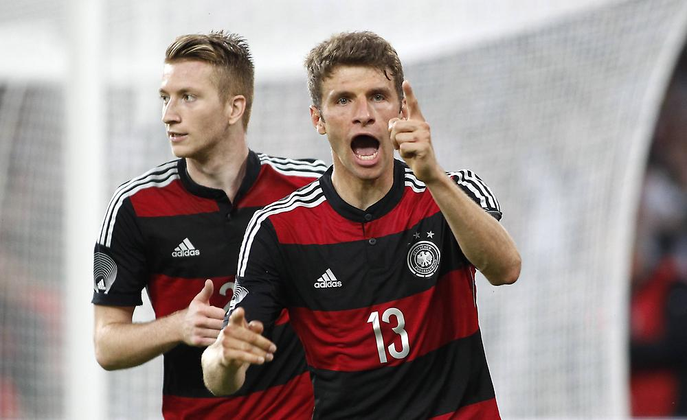 Manchester United Deny Making Bids For Thomas Muller And Marco Reus