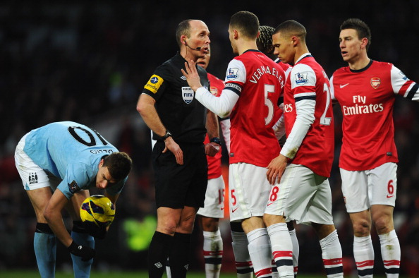 Arsenal Mike Dean