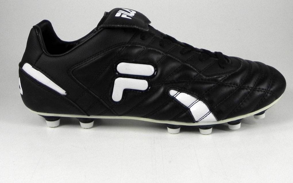 16c79b6c1 Top 10 Football Boots In India Under Rs 3000