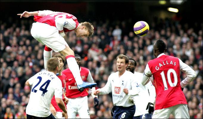 Bendtner goal Tottenham
