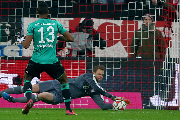 video manuel neuer saves a penalty during bayern munich 39 s 1 1 draw against schalke. Black Bedroom Furniture Sets. Home Design Ideas